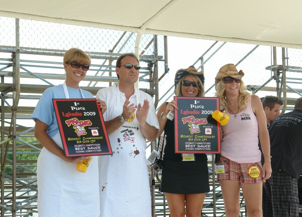 Mybaycity Com Labadie Pig Gig Celebrity Cook Off A Huge Success