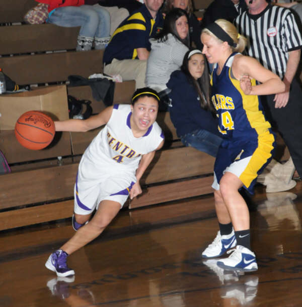 BasketballGirls_2012/20120223_Central_DSC_9292.jpg