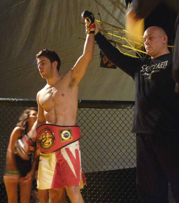 cagecombat2011-08-JimmyW.jpg